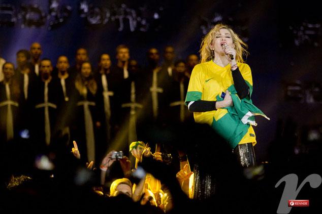 Resultado de imagem para madonna brasil bandeira